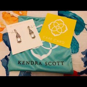 Kendra Scott NWT Becky Earrings in Silver